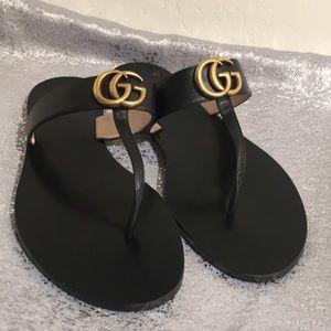 Gucci Mormont T - Strap Sandal